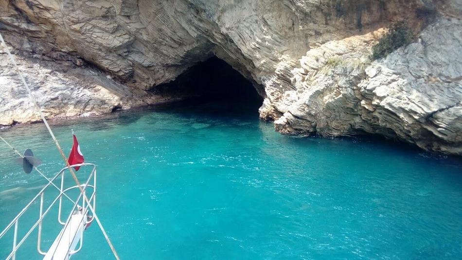 Fantazi Mağarasını Keşfedin | Turan Hill Lounge